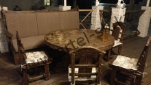 Диван, стол и стулья